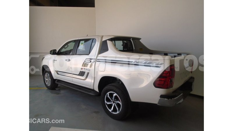 Big with watermark toyota hilux annobon import dubai 1057