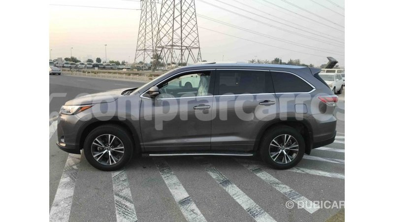 Big with watermark toyota highlander annobon import dubai 1060